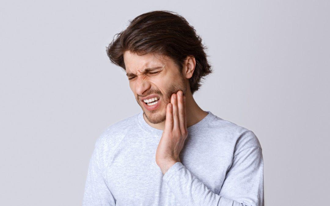 5 Symptoms of Gum Disease